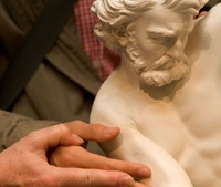Visite tactile au Louvre (copyright : Musée du Louvre / Cyril Labbé)