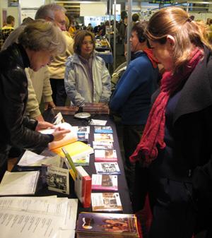 """Le stand de """"Lire dans le Noir"""" au salon du livre de Colmar"""