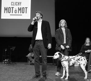 Jérôme Bouvier, président d'Ivre d'images et la journaliste Sophie Massieu sur la scène de l'Espace 93