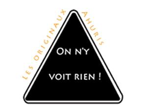 """Logo des Originaux Ahuris sur lequel est inscrit """"On n'y voit rien!"""""""