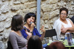 Aurélie Kieffeur et la chanteuse Clarika à Manosque
