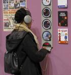 borne d'écoute au salon du livre de paris 2009
