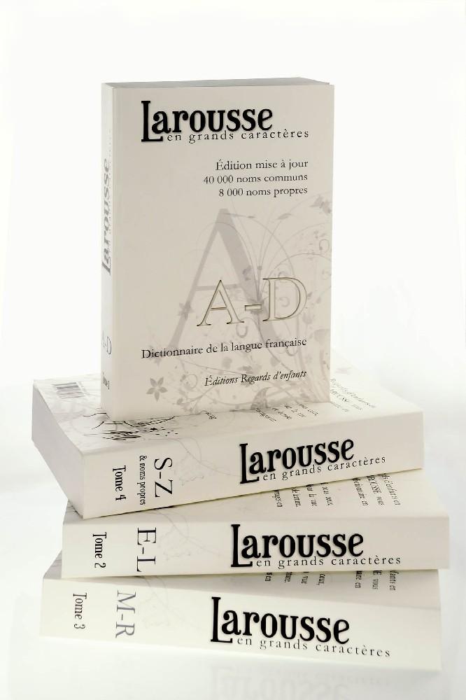 Le dictionnaire Larousse en grands caractères